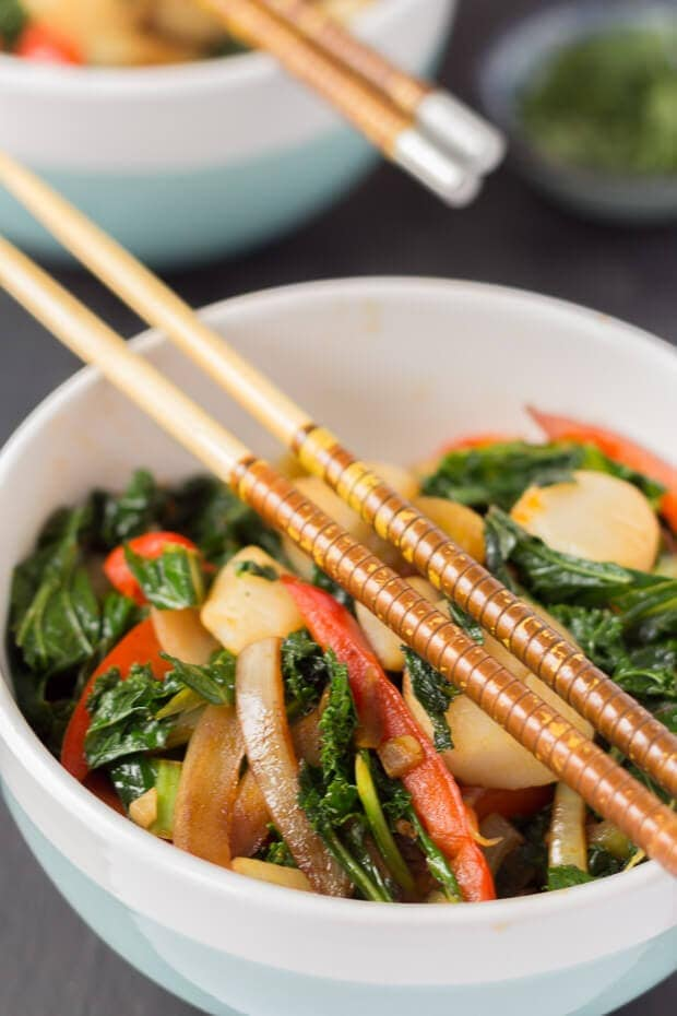 Chorizo scallop and kale stir fry is a really easy quick healthy meal for two. The chorizo releases its delicious flavours in this stir fry giving a lovely smokey flavour throughout!