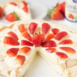 Easy Strawberry Pavlova