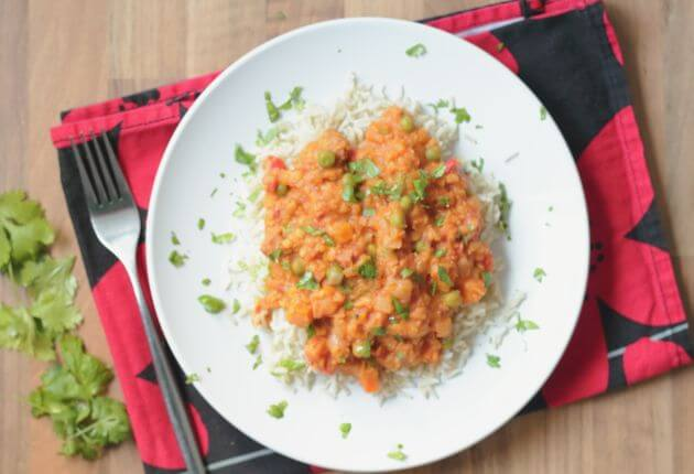 This chorizo and lentil Stew is so tasty. An all in one pot, quick healthy meal for all the family. It's just so filling you'll be amazed that this is only 274 calories per serving! It's one of our favourites and we're pretty sure it'll be one of yours soon too.