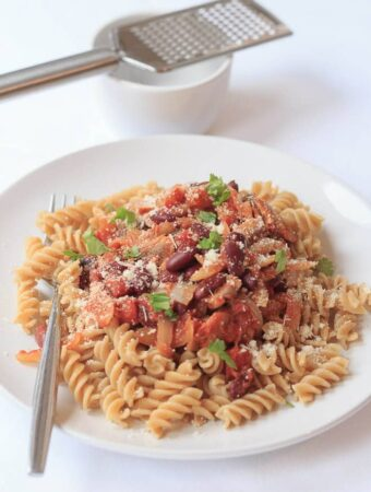 This chilli pasta is a quick and healthy family meal. Vegetarian, and full of fibre and goodness, and it takes just under one hour to serve.