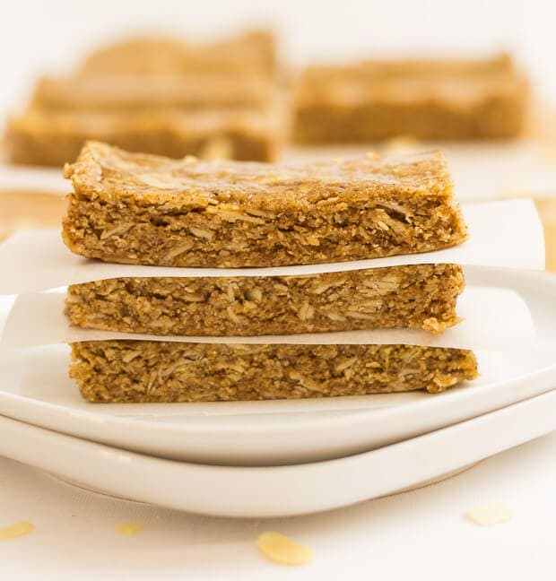 These no-bake almond oat bars are crammed full of delicious healthy oats, almonds, almond butter and honey. Easily portable, they're a guaranteed energy boost just when you need it most.