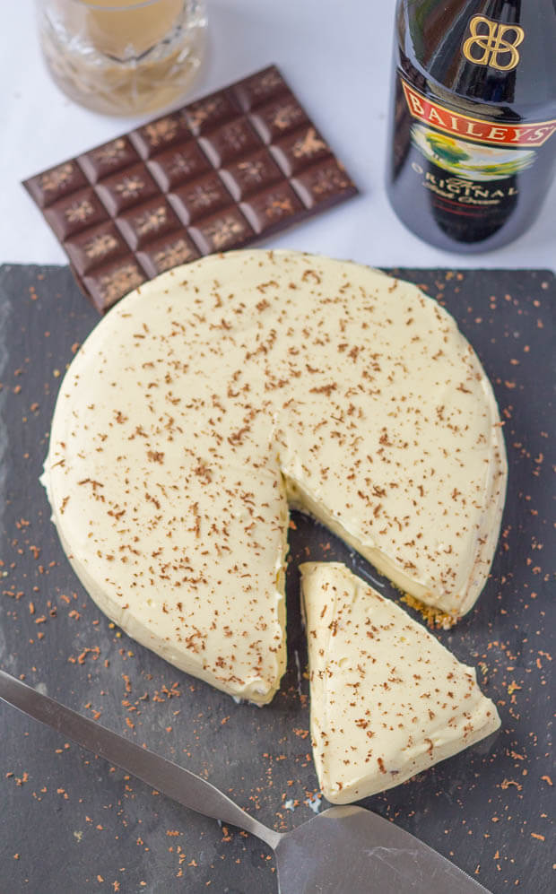 This mouthwatering Baileys chocolate cheesecake has a layer of chocolate ganache on top of the biscuit base giving a taste of even more luxury to an already decadent creamy dessert.