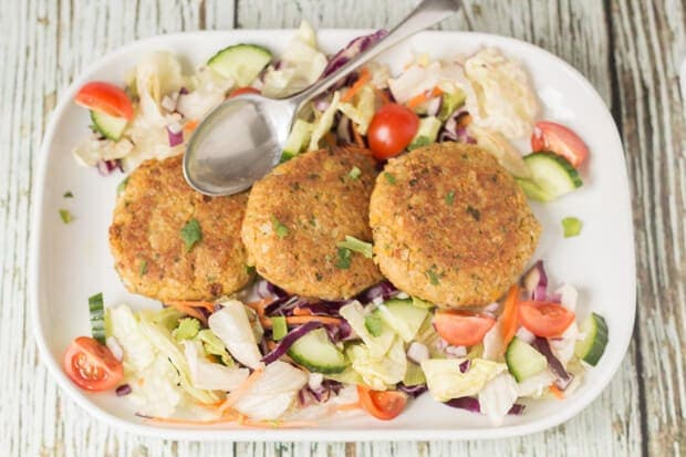 These quick healthy chickpea cakes are so easy to make. They're delicious served with a light salad and a little yogurt or garlic mayonnaise. Plus, they're low cost too!