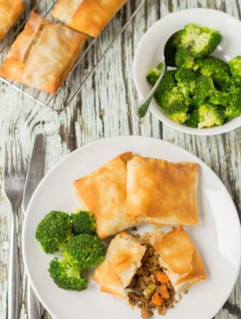Spiced Quorn filo pastry parcels are a super quick and easy vegetarian dinner recipe for when time is short. Plus this budget recipe makes enough filling to serve 8 so there's lots to go round or plenty for freezing too!