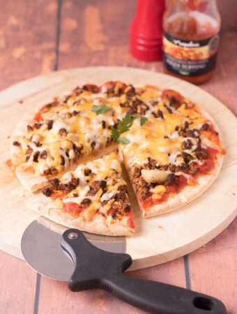 Quorn pizza is the ultimate homemade meat free vegetarian pizza! Made from delicious quorn mince with an optional spicy twist then baked to perfection to produce a tasty cheddar cheese and mozzarella melted cheese topping, you'll still think you're eating an actual meat feast pizza when you're not!