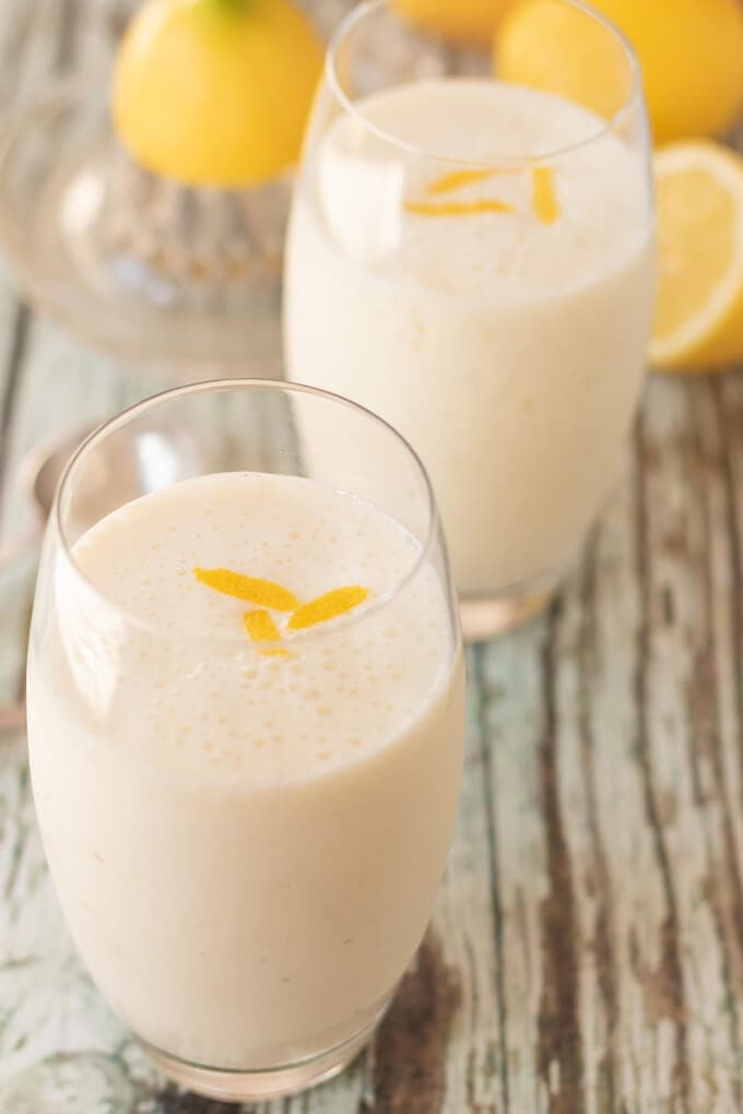 Zingy lemon smoothie is the perfect smoothie for a warm day. Quick and easy to make and made with minimal ingredients, you'll soon be cooling down with this delicious iced lemon smoothie!