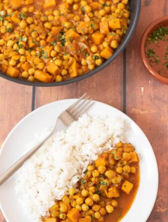 One pot sweet potato and chickpea curry is a fantastic quick healthy budget recipe to make. Delicious and full flavoured this filling vegan curry is perfect for freezing too!