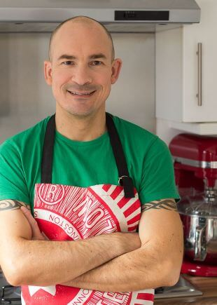 About Page Picture of Neil Lockier of Neil's Healthy Meals in Kitchen