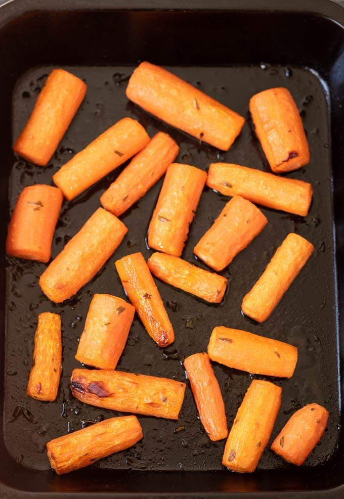 Roast honey glazed tarragon carrots is a delicious and easy side dish to compliment your main meal. These fantastic sweet honey roasted carrots are sure to be a winner at your dinner table!