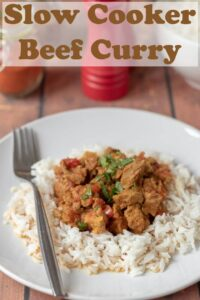 This slow cooker beef curry is absolutely packed full of flavour. It's an easy healthy recipe that makes the meat so tender it will melt in your mouth! #neilshealthymeals #recipe #easy #healthy #beefcurry